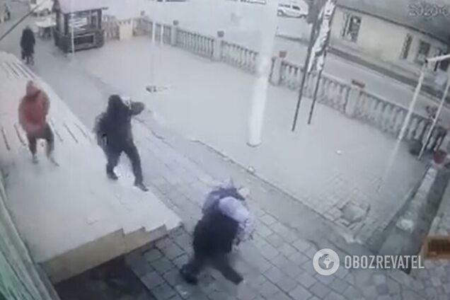 Ограбление ювелирного магазина в Татарбунарах (скриншот видео)