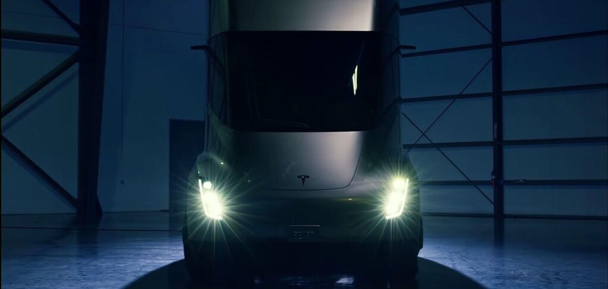'Подготовили к ужасным условиям': Tesla рассекретила дату продаж электрического грузовика Semi