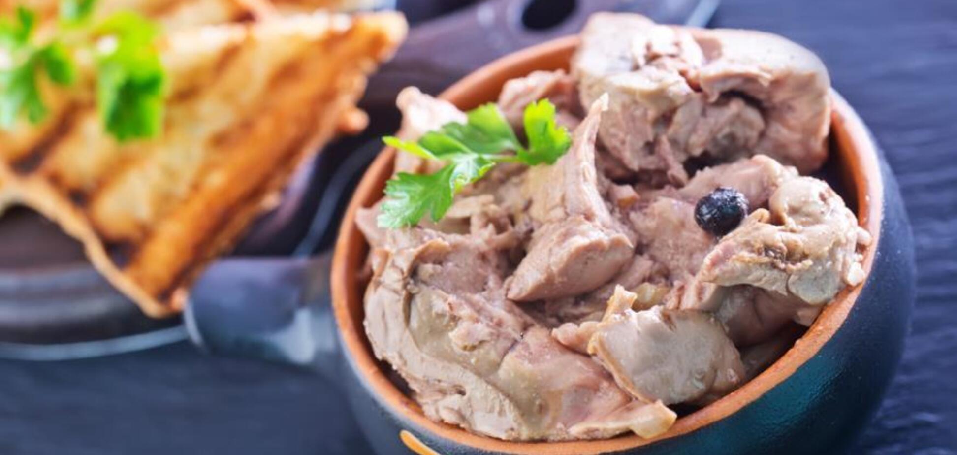 Рецепт чудового салату з печінкою тріски