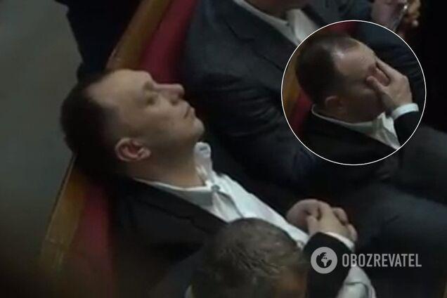 Нардеп заснув в Раді