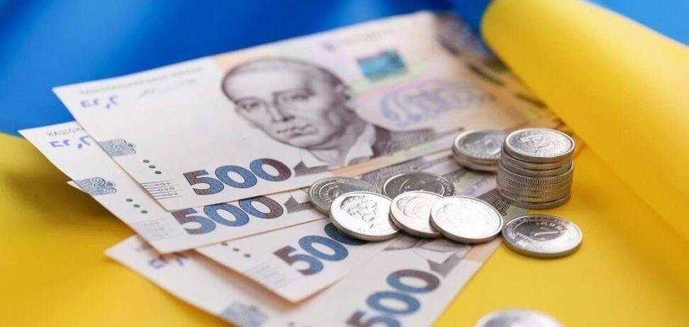 У 60 разів менше міністра: озвучені мізерні зарплати українських медиків