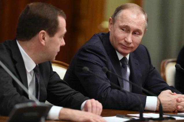 Мережа відреагувала на раптову відставку Медведєва
