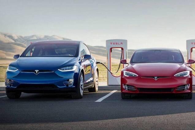 Електромобілі Tesla Model X і Model S
