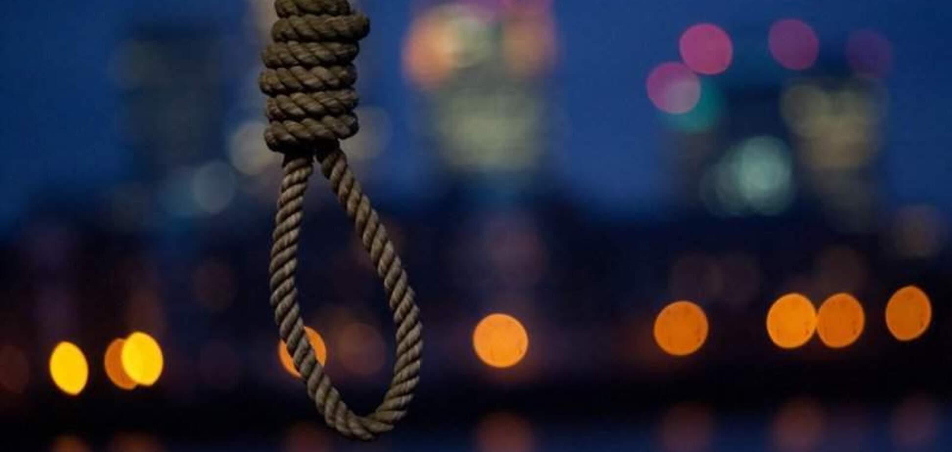 В Днепре школьник публично покончил с собой. Фото 18+
