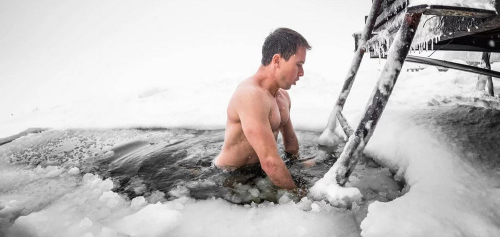 Как не замерзнуть на Крещение: главные правила купания в проруби