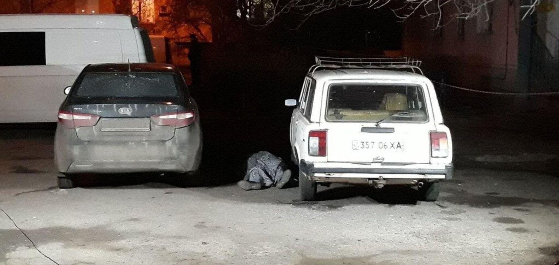 В Харькове посреди улицы киллер застрелил директора похоронного бюро: фото и видео