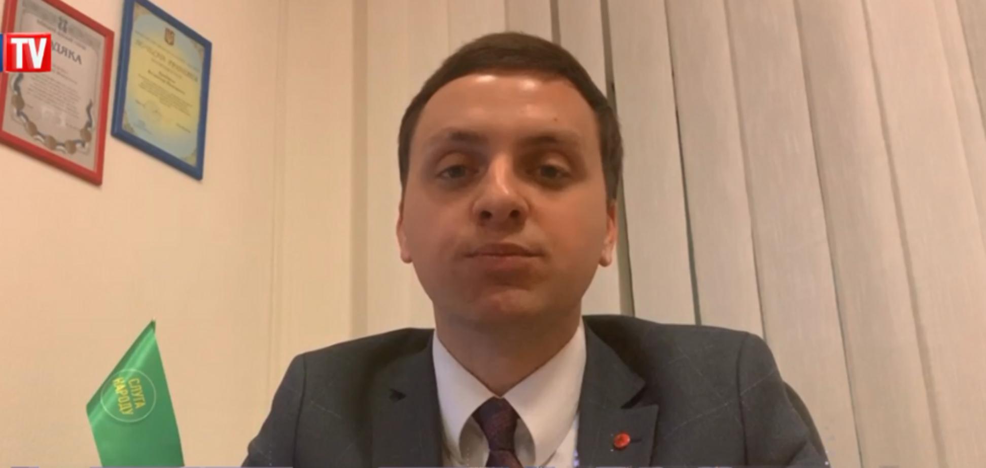 Украина откажется от ямочного ремонта дорог: появились подробности