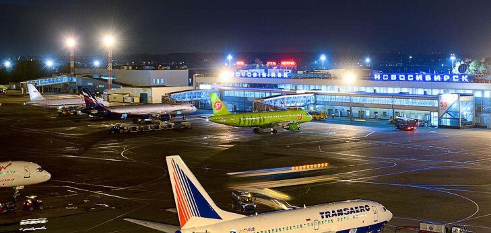 Загорівся двигун: у Росії трапилася страшна НП з пасажирським літаком