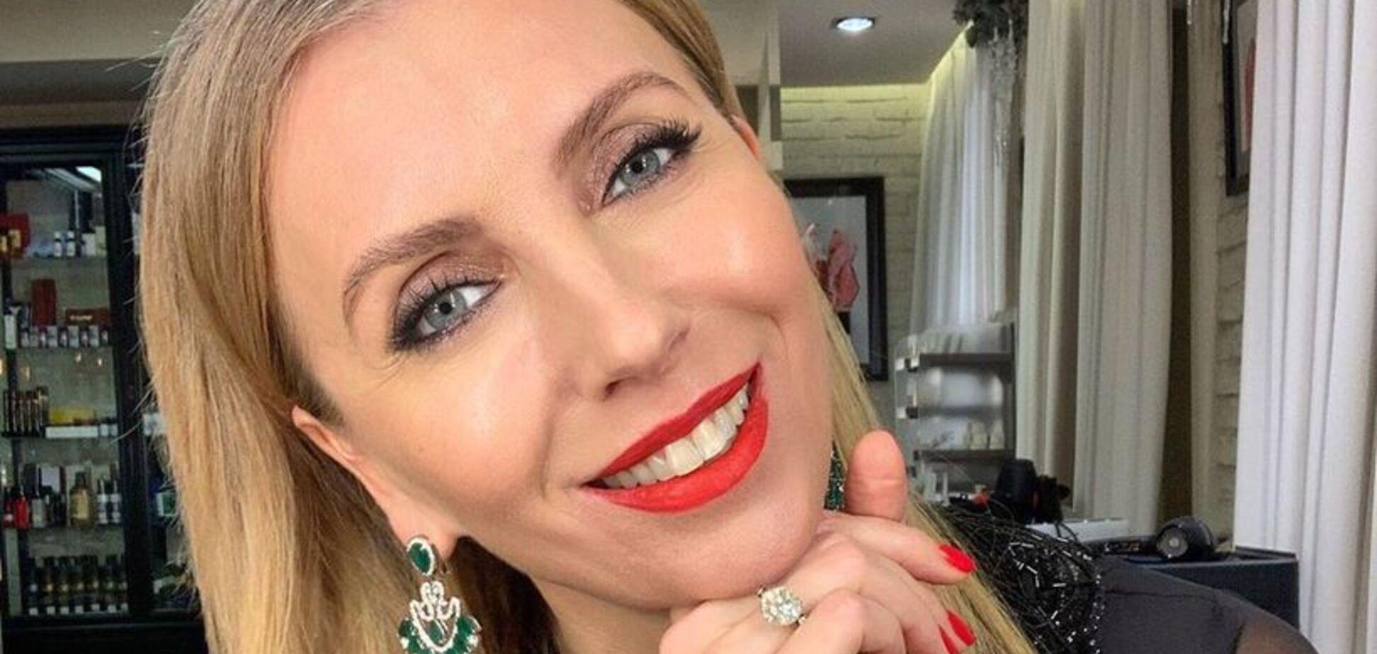 'Собчак поперхнулась': 51-летняя экс-жена Бондарчука впечатлила сочными формами