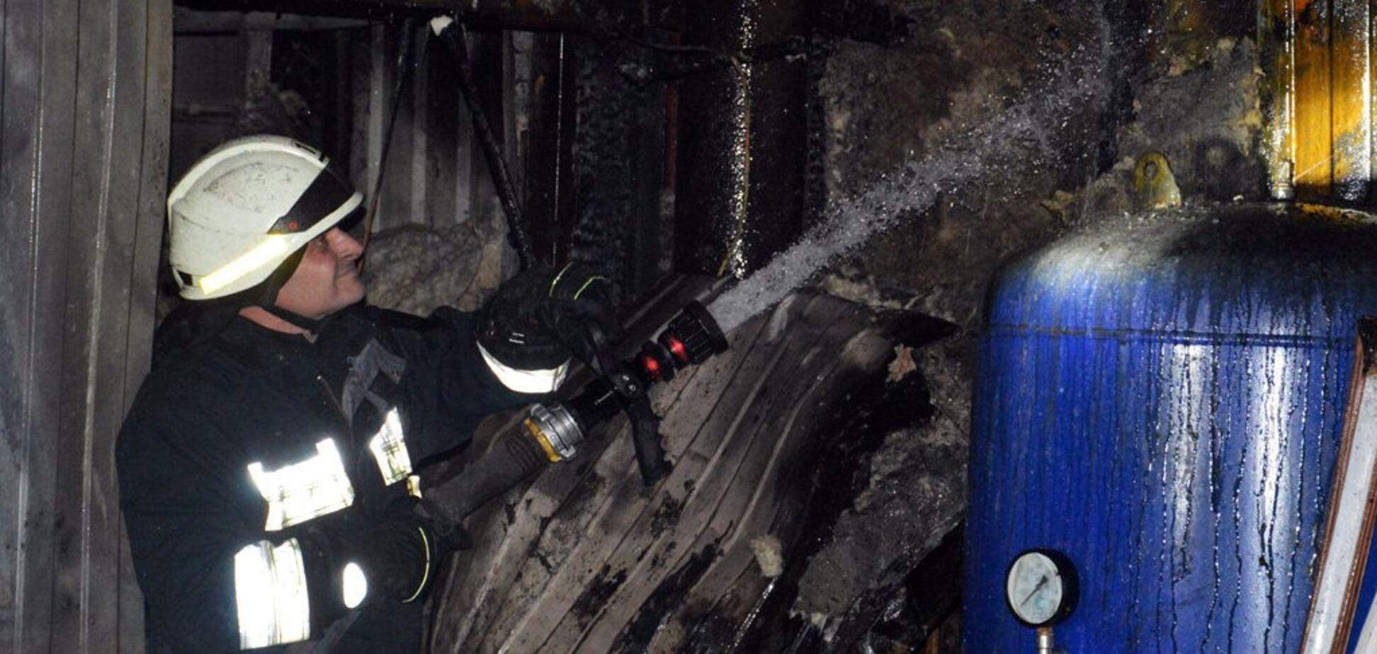 В Днепре на предприятии загорелось компрессорное оборудование. Видео