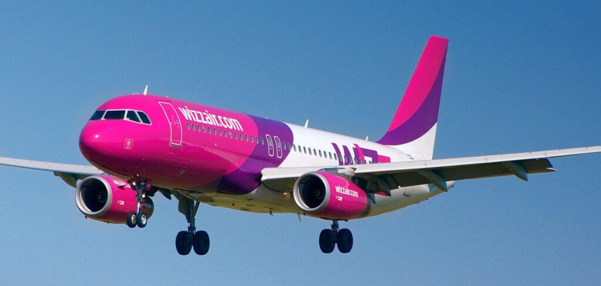 Над Києвом пасажирський літак потрапив у небезпечну ситуацію: опубліковані фото