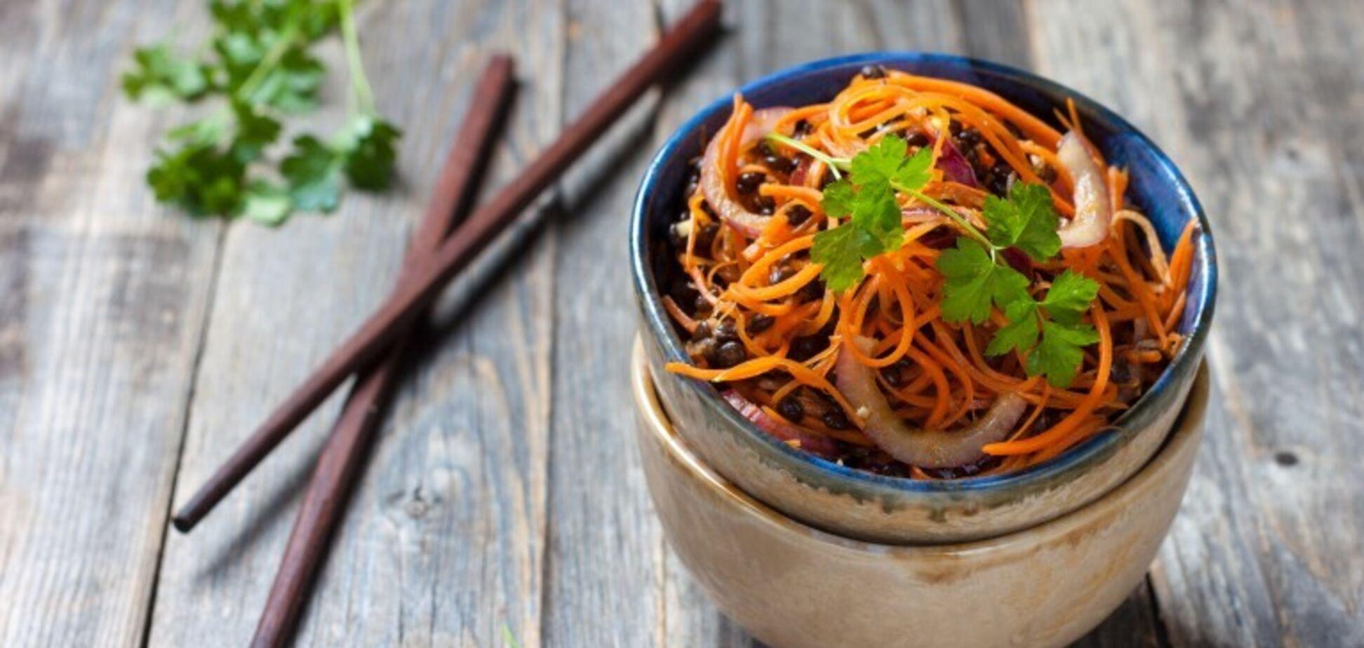 Надзвичайно смачний салат по-корейськи: простий рецепт