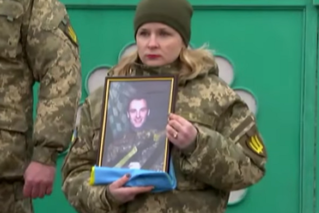Похорони загиблого на Донбасі бійця