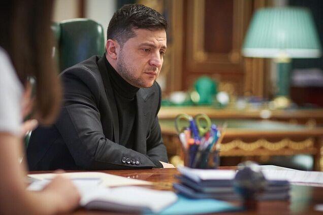 Зеленский намекнул на обратную декоммунизацию в Украине