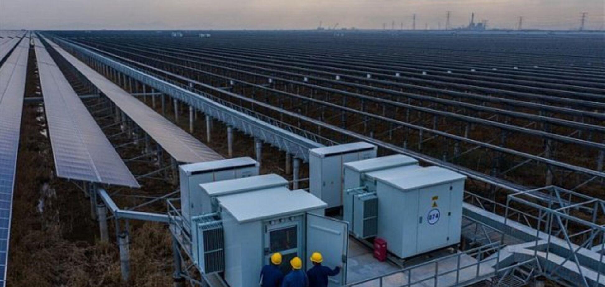 В приливной зоне Китая запустили необычную солнечную станцию: фото