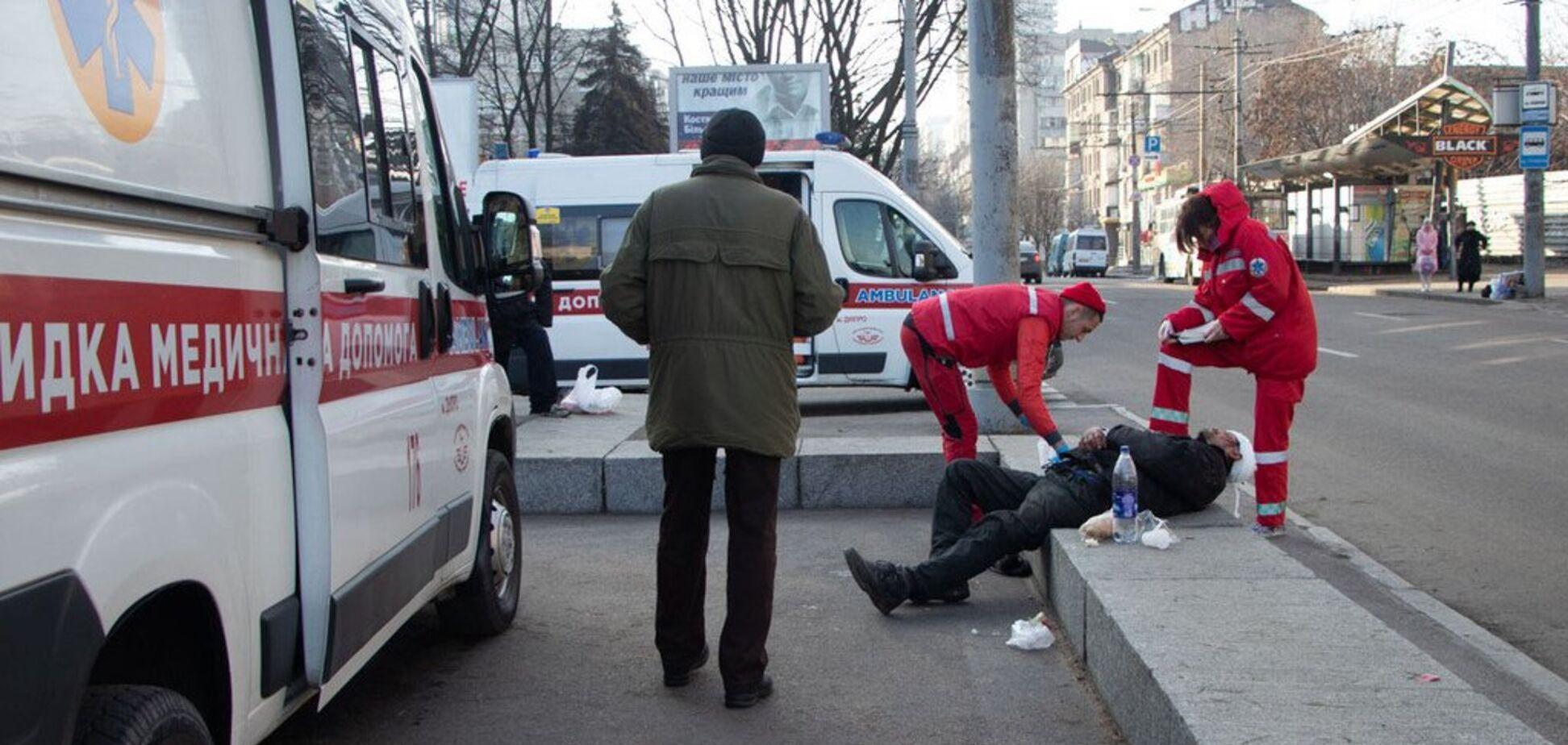 Били арматурами: в Днепре подростки жестоко расправились с мужчиной