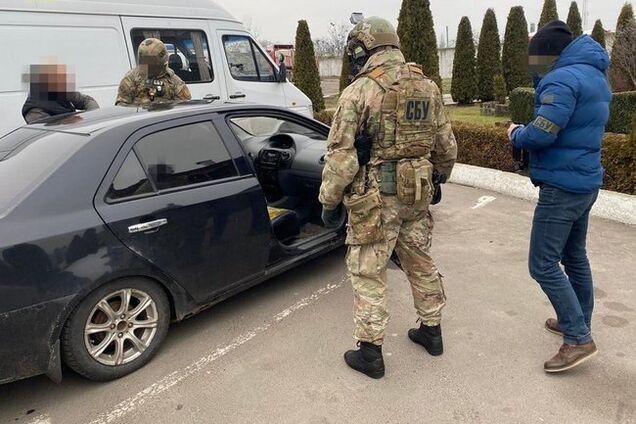 """Подполковника полиции Житомирской области """"взяли"""" на взятке"""