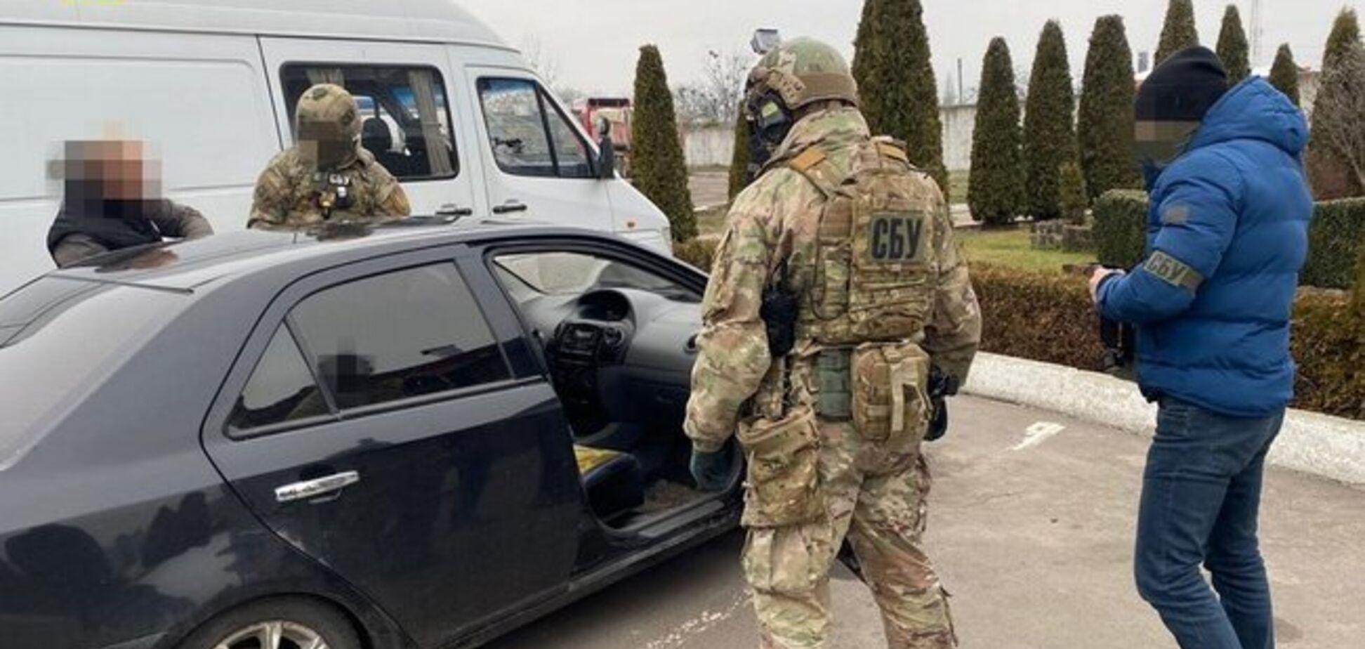 Подполковника полиции Житомирской области 'взяли' на взятке