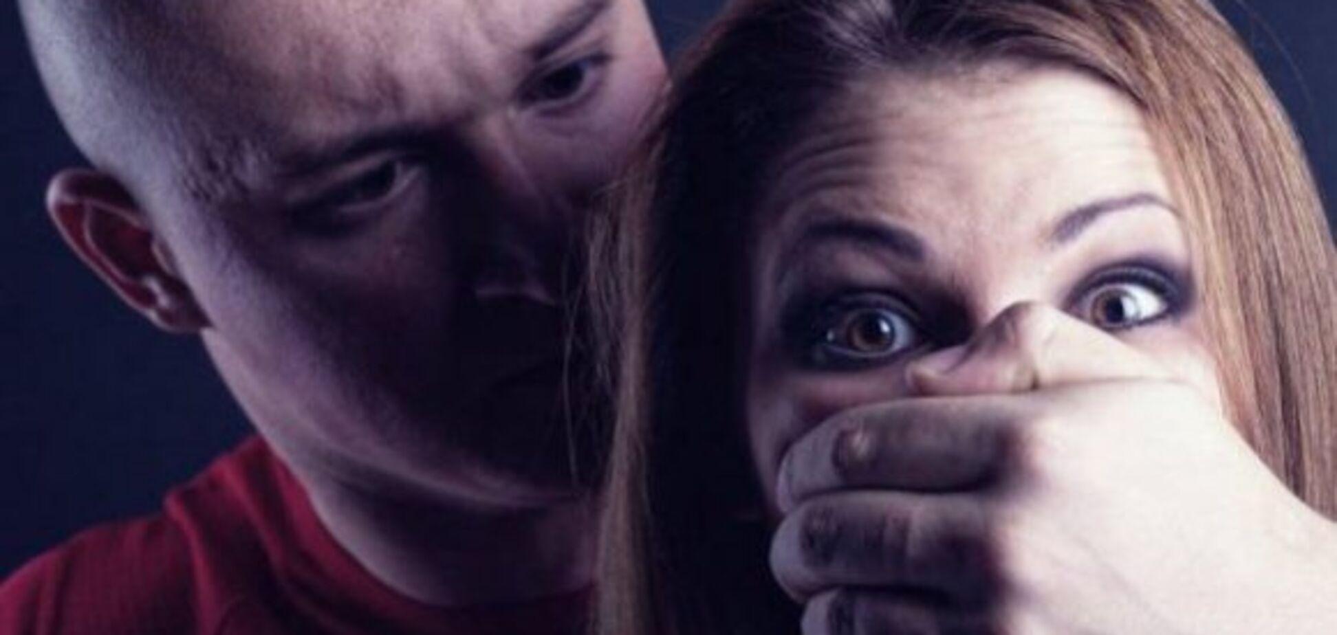 Ограбил и изнасиловал: в Кривом Роге вооруженный мужчина поиздевался над девушкой