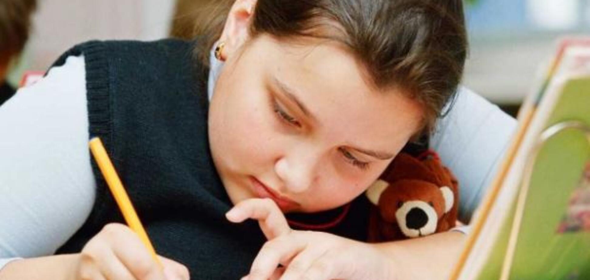 'Победобєсіє' на марші? У Росії школярів змусили написати прадіду на фронт