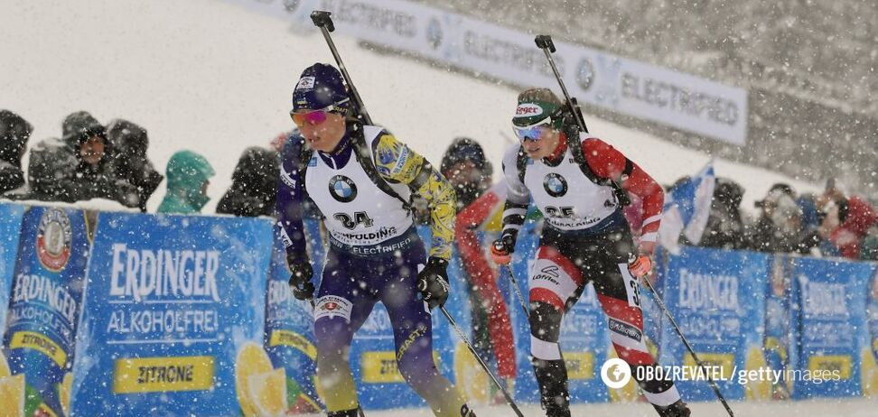 Віта Семеренко (ліворуч) на п'ятому етапі Кубка світу з біатлону