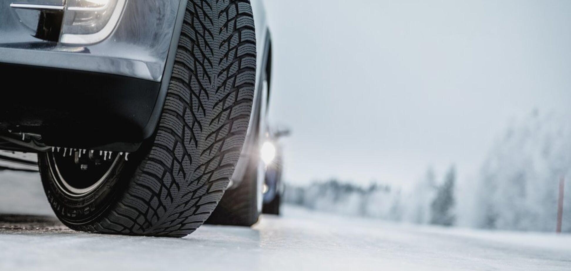 Навіщо 'перевзувати' авто взимку: експерти назвали причини