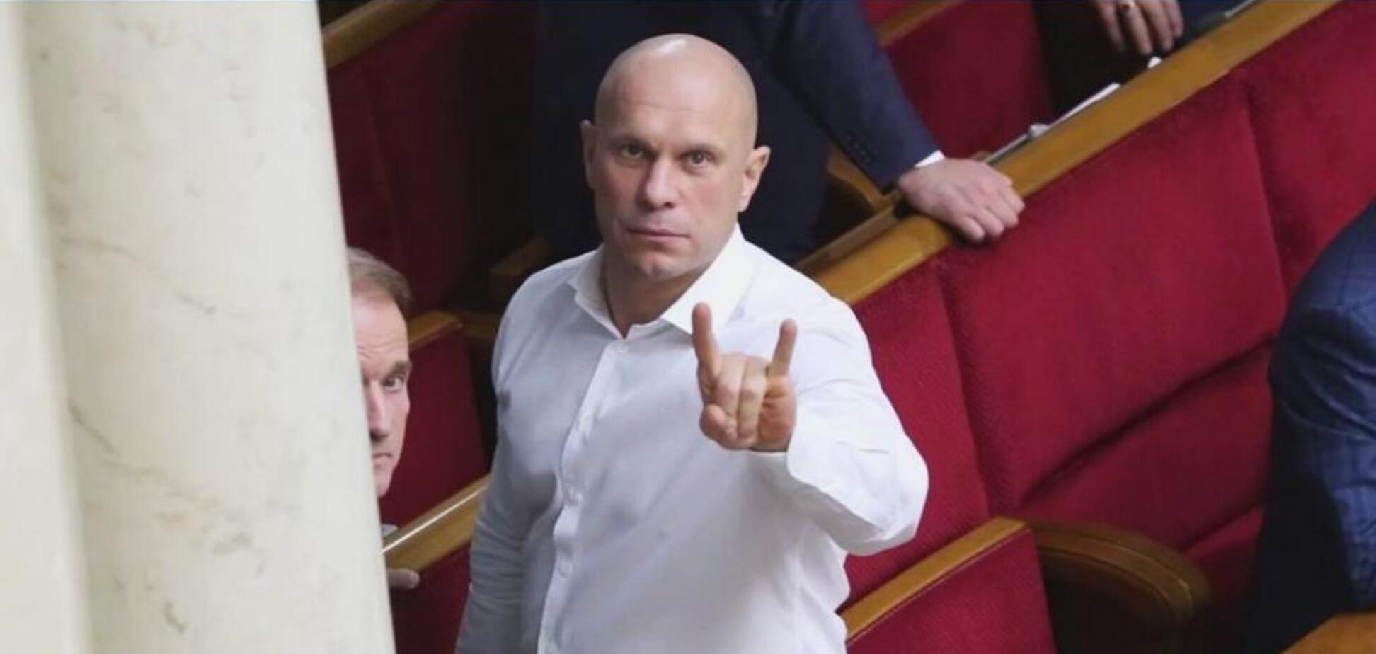 Киву высмеяли за драку в ресторане Киева