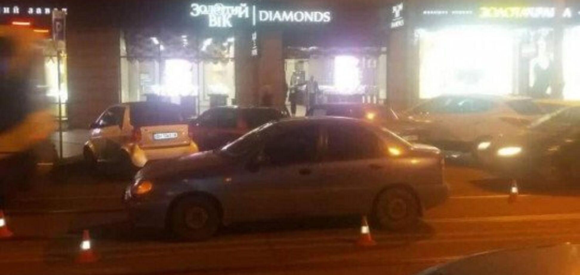 В центре Одессы полицейский сбил женщину с ребенком