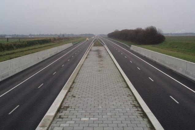 В Європі на дорогах встановлять бар'єри з сонячних панелей