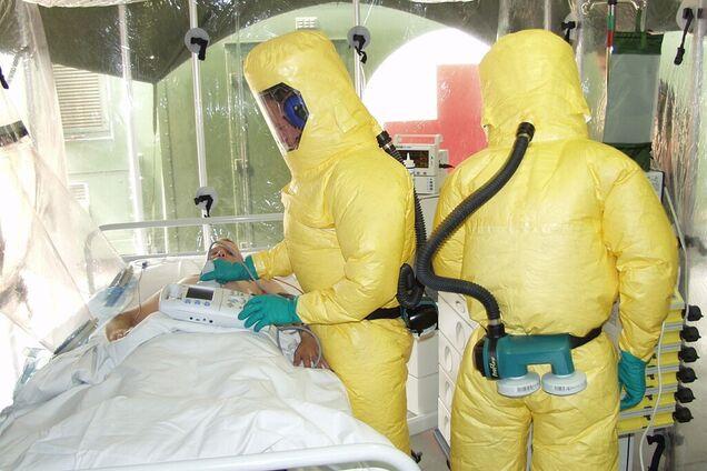 Число заражених і жертв кононавіруса катастрофічно зростає