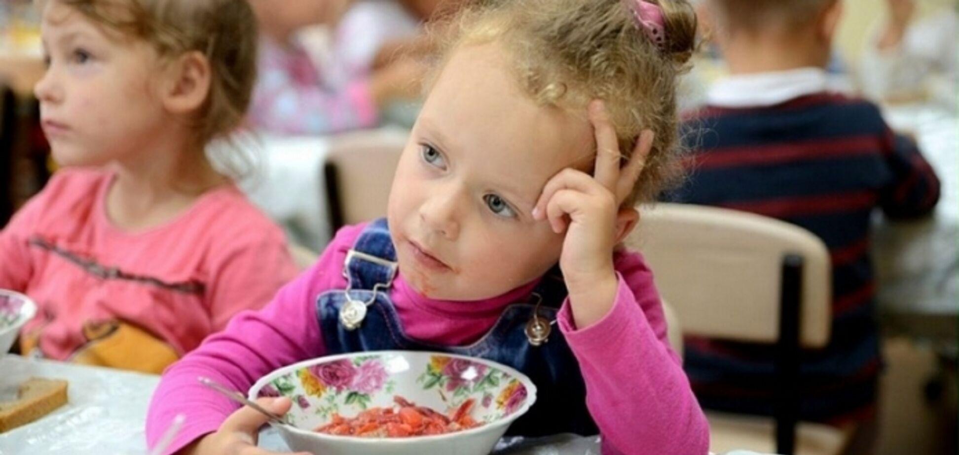 Экономят на детях? На Прикарпатье резко подорожало питание в детсадах