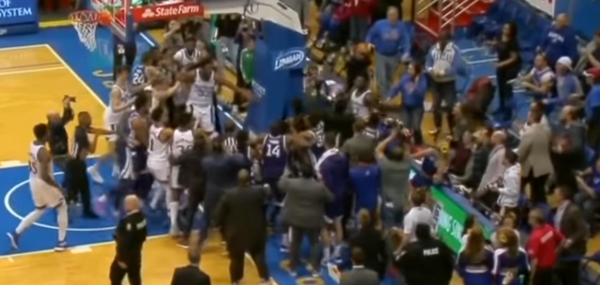 Массовая драка на матче NCAA между Канзасом и Канзас Стэйт
