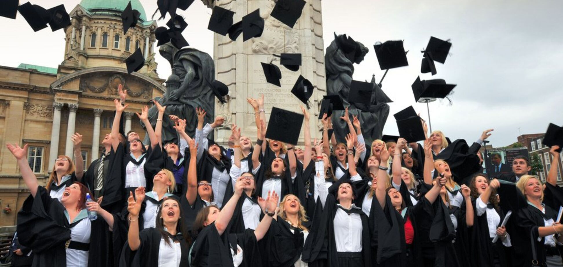 Навчання за кордоном: що пропонують абітурієнтам Дніпра і як отримати грант