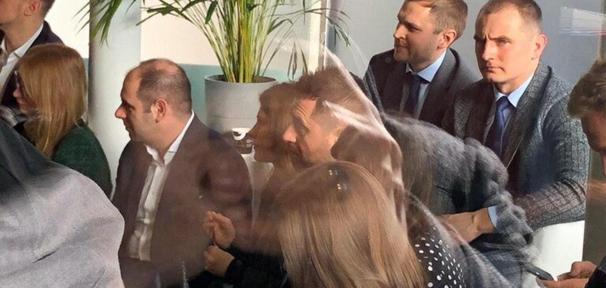 Члены Слуги народа встретились в Давосе с Кэмероном