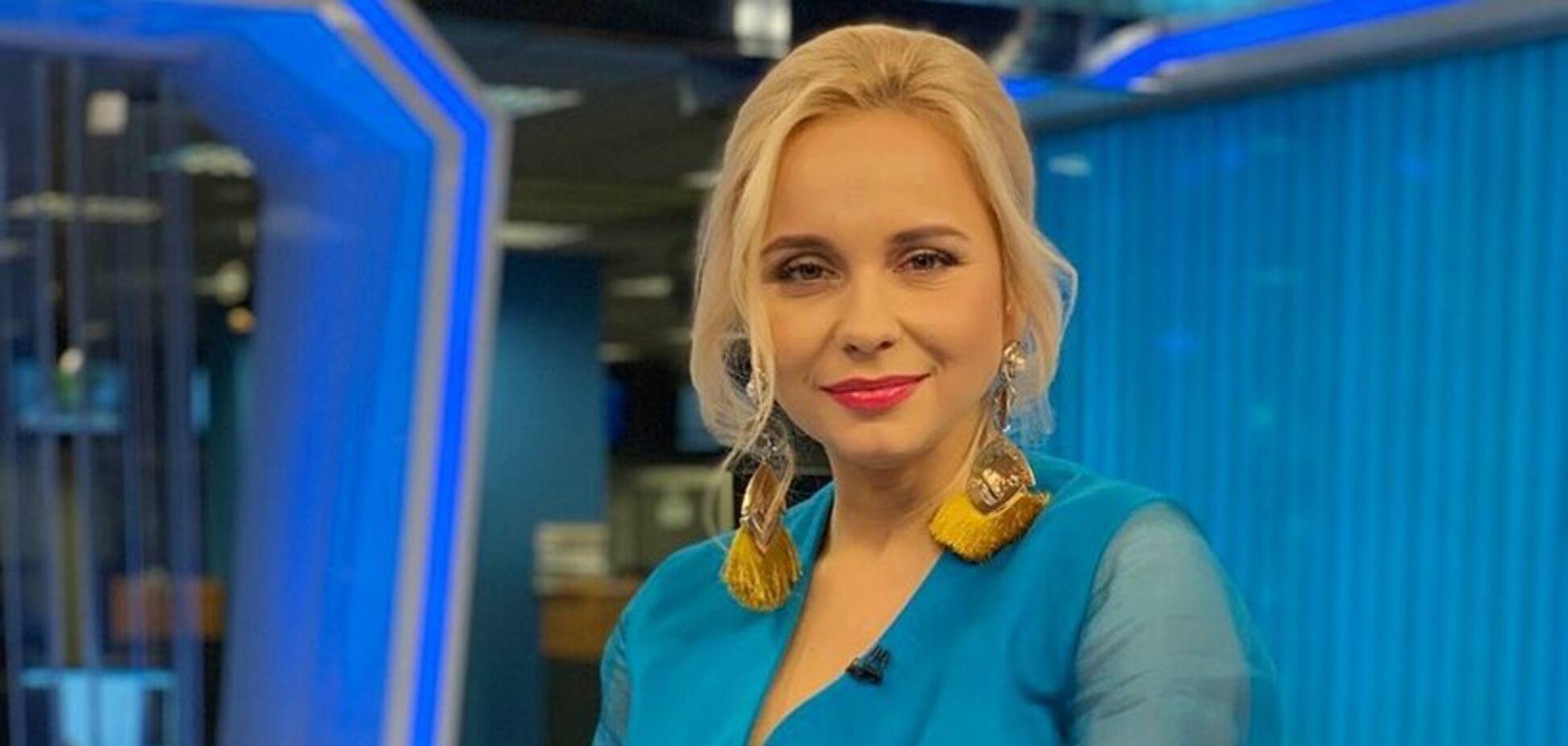 'Сексуальная': украинская телеведущая сверкнула большой грудью в купальнике