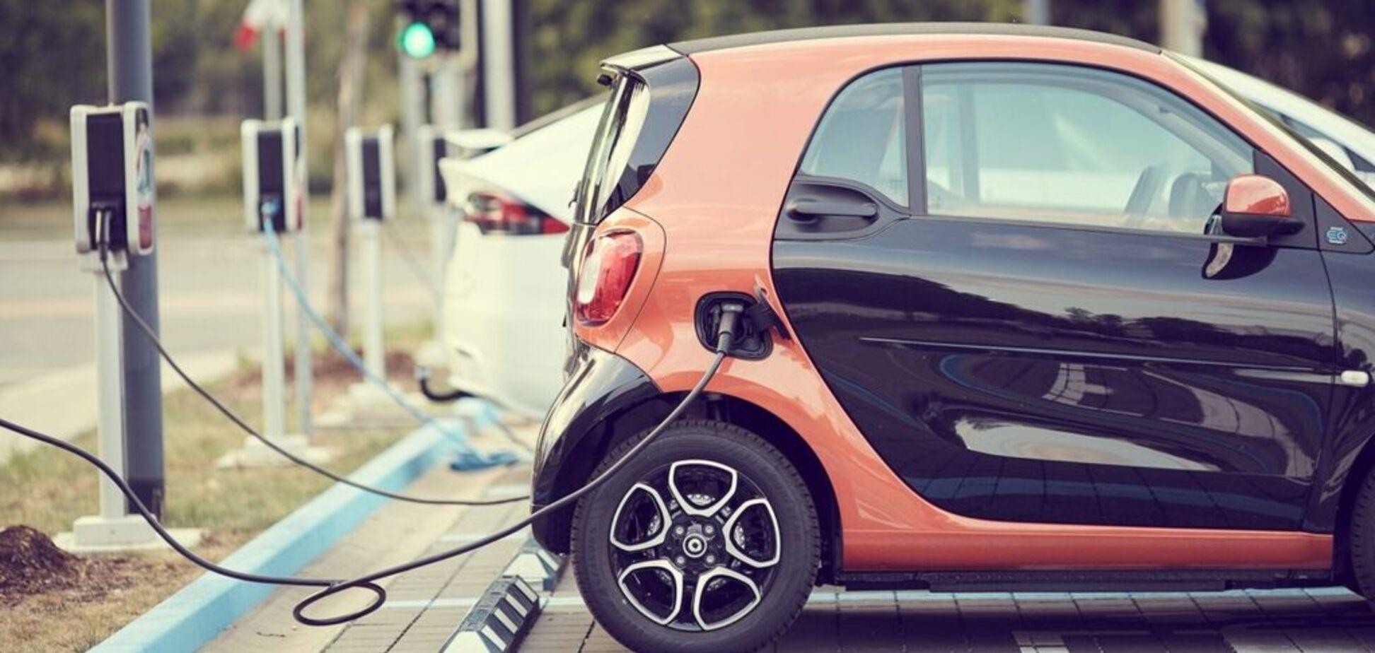 Чистые и 'бесплатные': в Европе установят кардинально новые зарядки для электромобилей