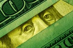 Заработали $61 млрд: как богатейшие люди делают деньги на спасении планеты