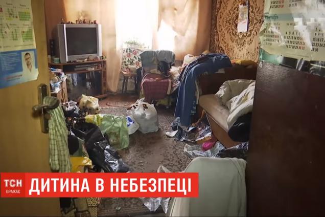 На Николаевщине родители морили голодом 2-летнюю девочку