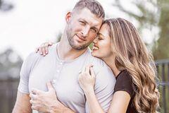 32-летний девственник: футболист сохранил невинность и женился на Мисс Вселенная