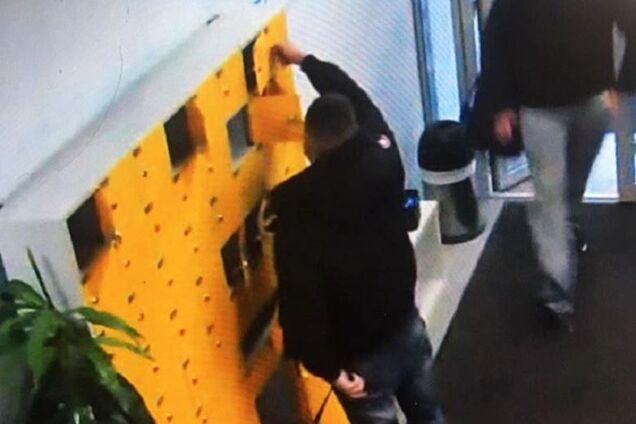 В Киеве задержали воров, которые грабили камеры хранения в спортклубах