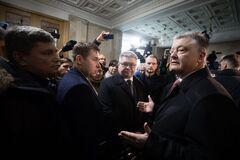 'Шоу, а не слідство': адвокат Порошенка розповів про абсурдний допит у ДБР