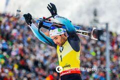 Лицом в снег: лучший биатлонист планеты жестко оконфузился