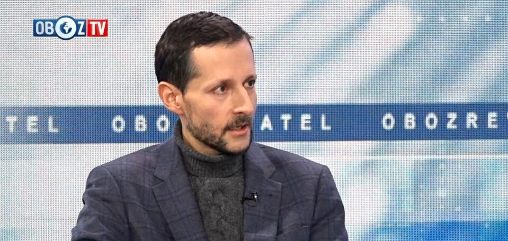 Команда президента працює неефективно: соціолог про рейтинг Зеленського