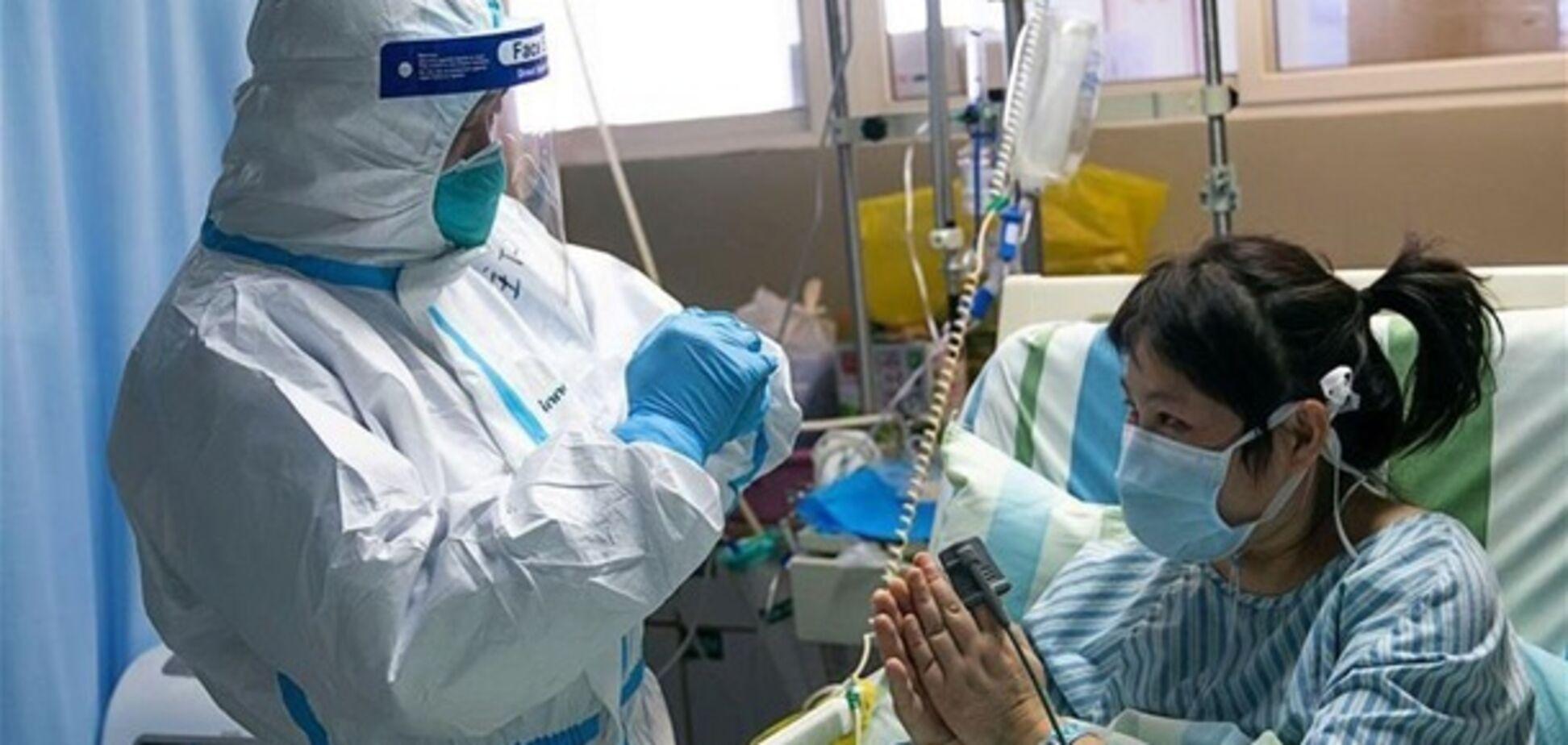 Китай закриє всі турпоїздки для своїх громадян через коронавірус
