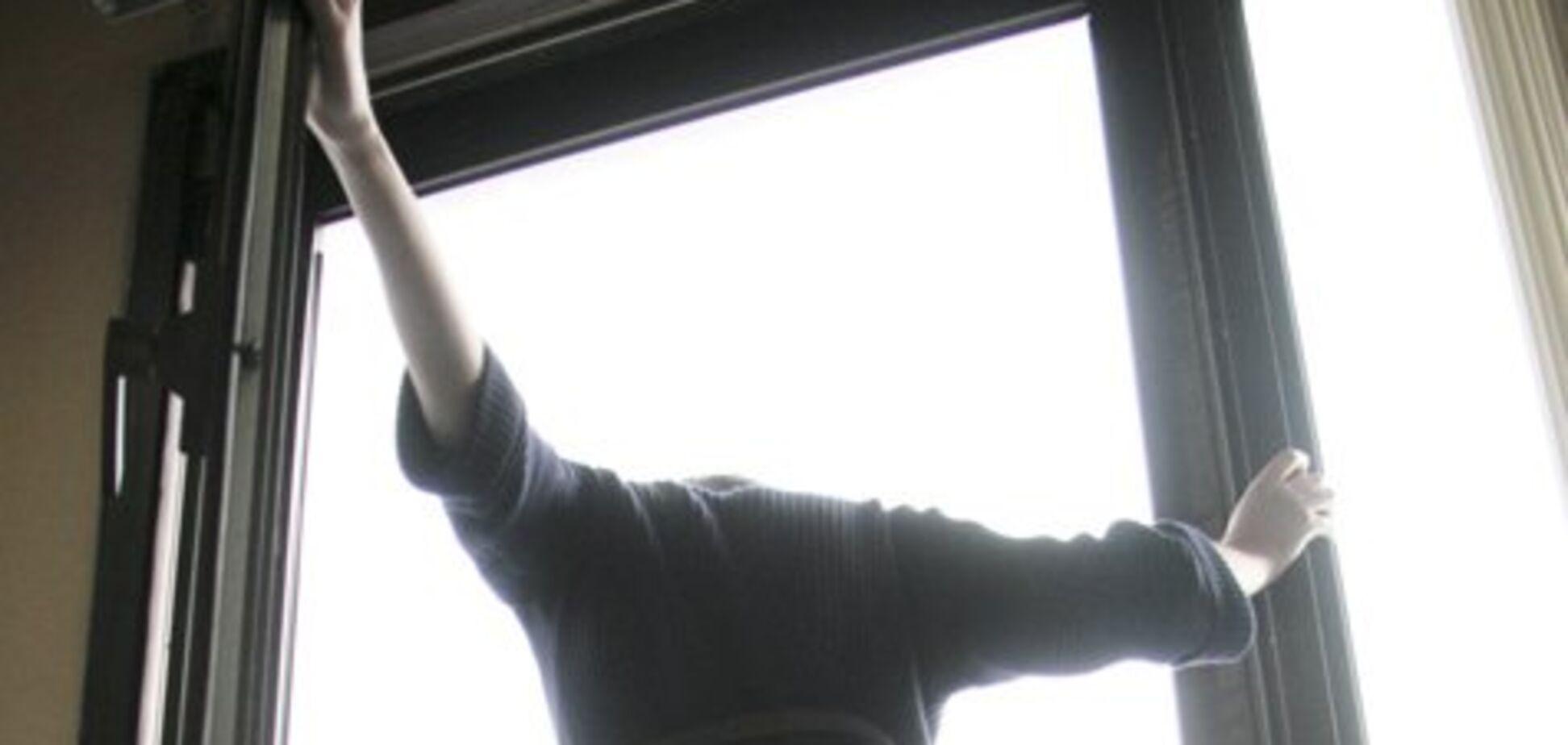 Одесситка покончила с собой, выпрыгнув из окна (иллюстрация)
