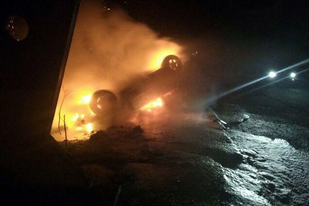 Під Дніпром згорів автомобіль