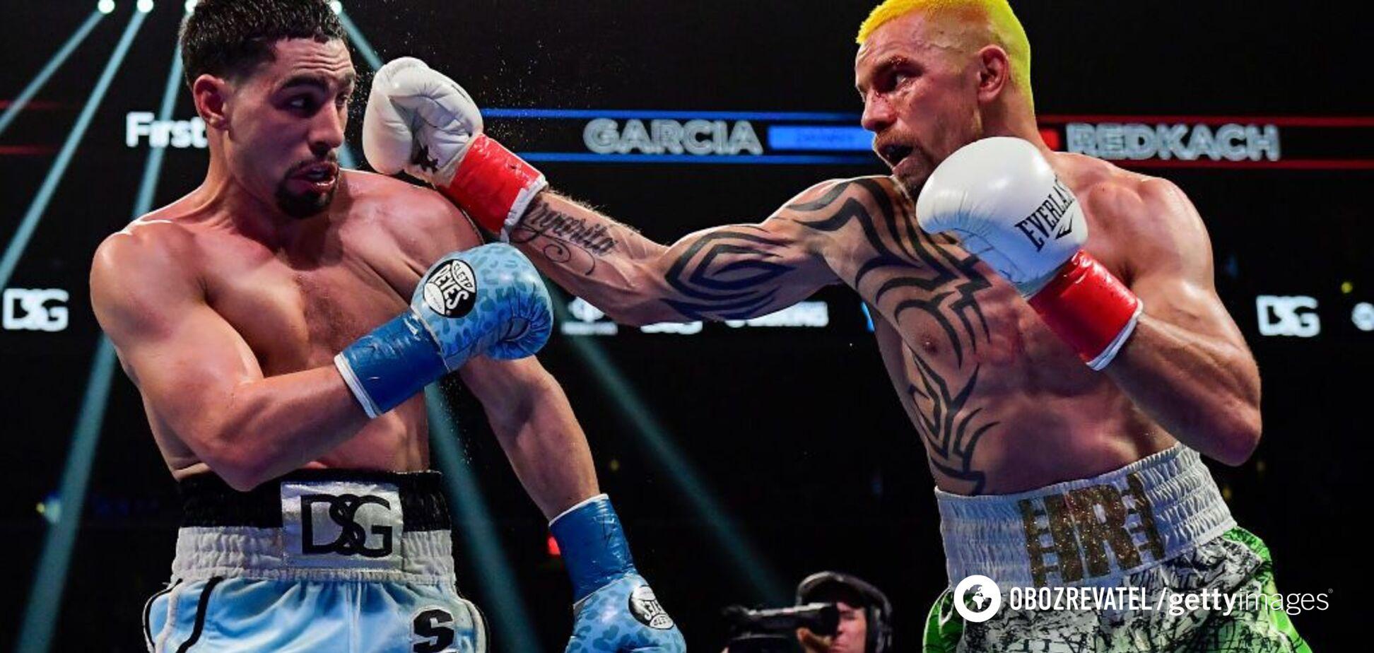 Знаменитый украинский боксер вцепился зубами в соперника в бою