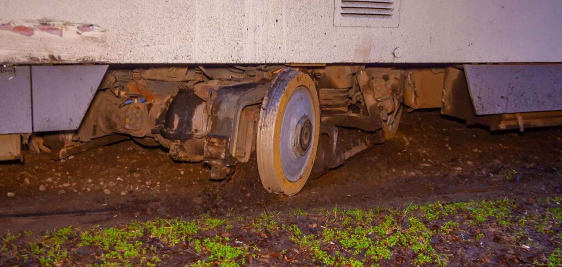 У Дніпрі трамвай збив чоловіка і протягнув його кілька метрів