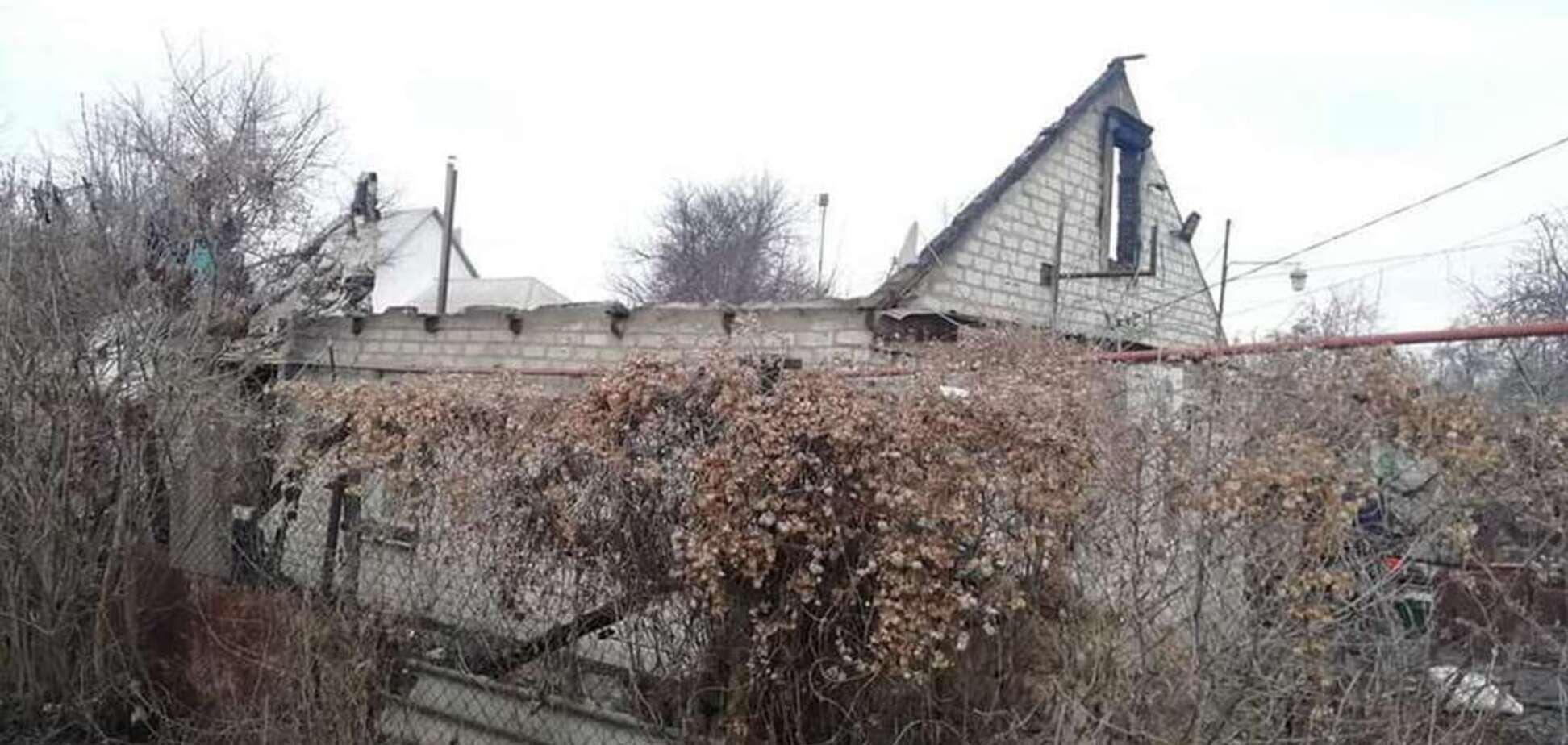 В Днепре дотла сгорел частный дом: люди собирают помощь пострадавшей семье. Фото