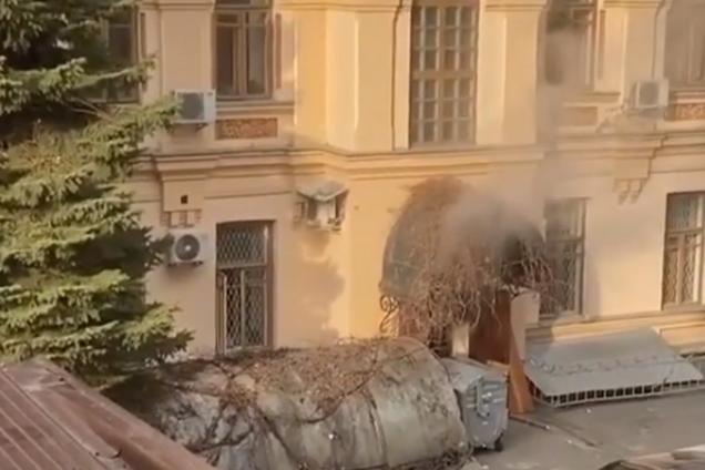 У Києві спалахнула пожежа в Міністерстві культури, молоді та спорту України